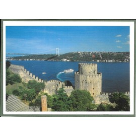 Istanbul, Turquie, Les Vieux Remparts De La Ville Et Le Bosphore