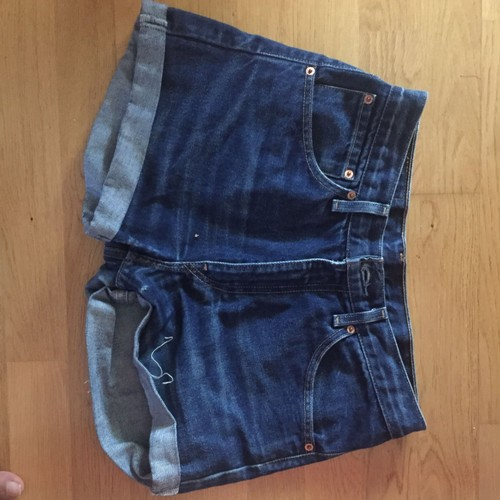 jeans levi 39 s short femme achat et vente priceminister. Black Bedroom Furniture Sets. Home Design Ideas