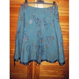 76f0ec4426 jupe-yessica-at-c-a-de-couleur-bleu -motifs-fleurs-brodees-fil-dore-volant-satin-vers-le-bas-cordon-satin-a-la-taille-taille-44-977141600_ML.jpg