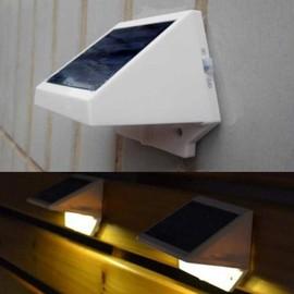 Lampe solaire de puissance 4 led cl ture lumi re ext rieur for Lumiere mur exterieur