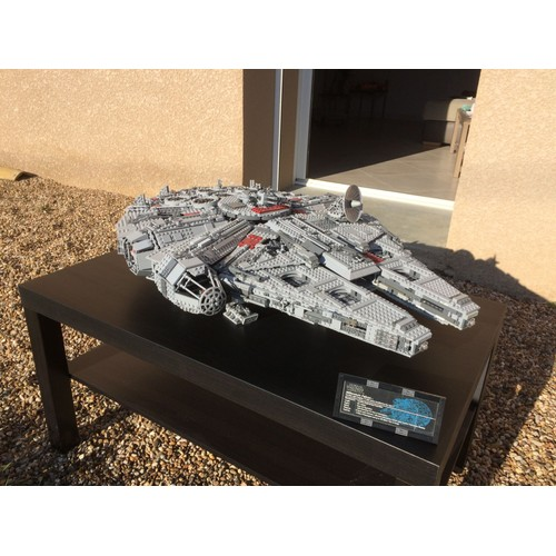 lego star wars 10179 faucon millenium achat et vente. Black Bedroom Furniture Sets. Home Design Ideas