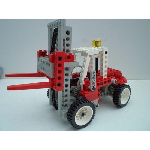 lego technic chariot l vateur clark fenwick tracteur 8835 rakuten. Black Bedroom Furniture Sets. Home Design Ideas