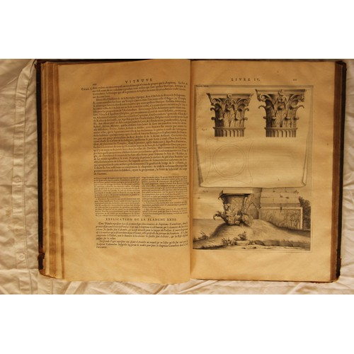 les dix livres d 39 architecture de vitruve corrigez et traduits nouvellement en fran ois avec. Black Bedroom Furniture Sets. Home Design Ideas