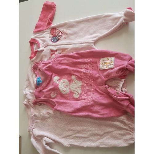 3c1759125102a Lot De Vêtement 0-3 Mois 3-6 Mois Pour Bébé (Fille) - Achat et vente