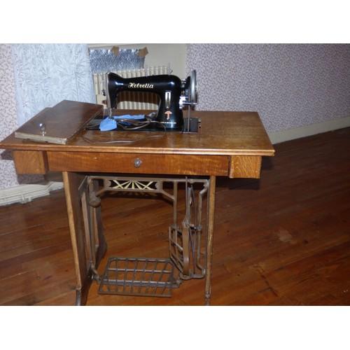 machine a coudre ancienne helvetia pas cher achat vente rakuten. Black Bedroom Furniture Sets. Home Design Ideas