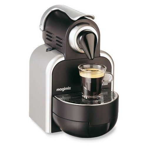 magimix nespresso m100 auto machine caf pas cher priceminister. Black Bedroom Furniture Sets. Home Design Ideas