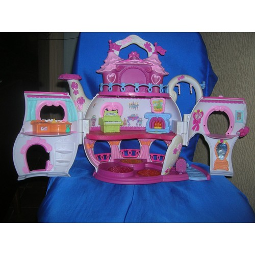 maison lumineuse my little pony hasbro 2006 le palais du. Black Bedroom Furniture Sets. Home Design Ideas