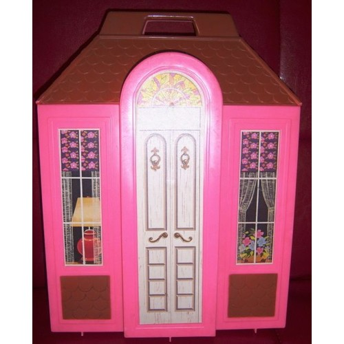 maison valise barbie 1978 neuf et d 39 occasion sur. Black Bedroom Furniture Sets. Home Design Ideas