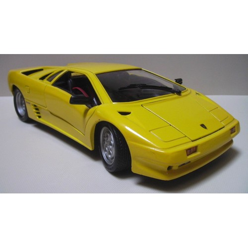 maisto lamborghini diablo 1990 jaune dition sp ciale 803 b ch1 18. Black Bedroom Furniture Sets. Home Design Ideas