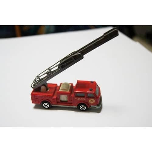 majorette pompier n 207 majorette neuf et d 39 occasion. Black Bedroom Furniture Sets. Home Design Ideas