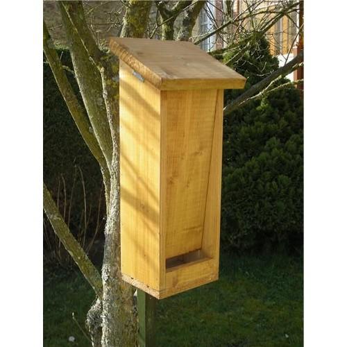 mangeoire pour nourrir les oiseaux du jardin achat et vente. Black Bedroom Furniture Sets. Home Design Ideas