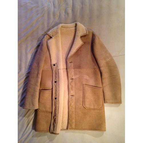 manteau pas de marque manteau court en peau lain e. Black Bedroom Furniture Sets. Home Design Ideas