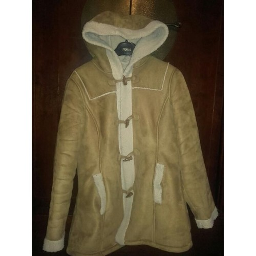 1b32d185dad59 manteau-vero-moda-veste-suedine-mi-longue-suede-l-beige-1103585441_L.jpg