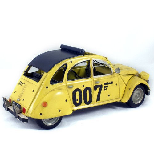 maquette m tal vintage voiture citro n 2cv james bond 007 1973. Black Bedroom Furniture Sets. Home Design Ideas