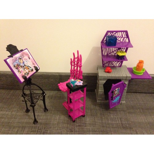 meubles monster high atelier art studio achat et vente rakuten. Black Bedroom Furniture Sets. Home Design Ideas