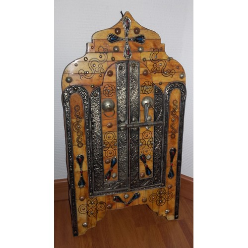 miroir marocain en fer forg avec deux portes achat et vente. Black Bedroom Furniture Sets. Home Design Ideas