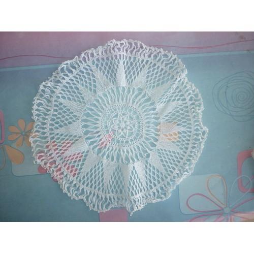 napperon blanc en tissu fait main achat vente de nappe rakuten. Black Bedroom Furniture Sets. Home Design Ideas