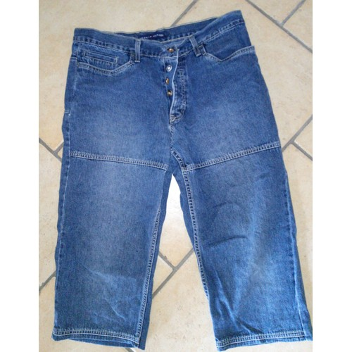 15d45a491861f Pantacourt Bermuda Jean Homme Marque Tommy Hilfiger Taille 44