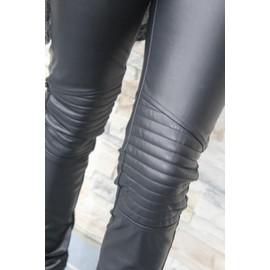 Petite annonce Pantalon Simili Cuir Noir Femme Tendance Et Haute Couture - 59000 LILLE