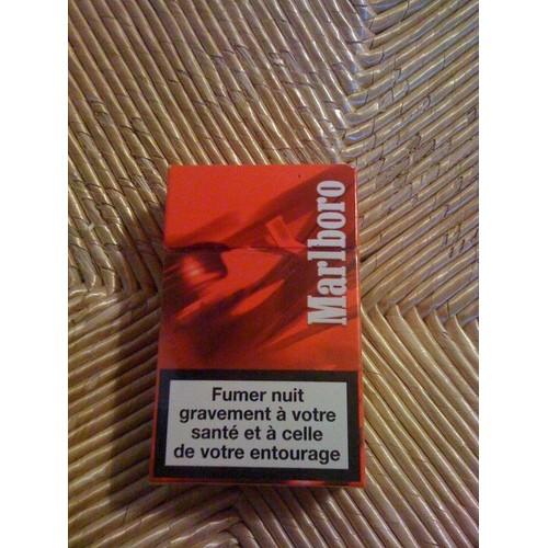 paquet de cigarettes marlboro racing edition vide neuf et d 39 occasion. Black Bedroom Furniture Sets. Home Design Ideas