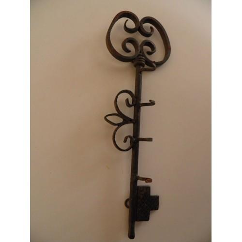 Pat re grande cl en fer forg 4 supports crochets de porte clef for Prix porte en fer forge