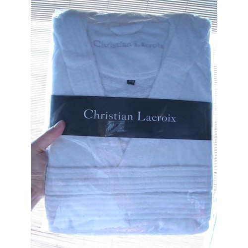 peignoir de bain christian lacroix blanc neuf dans emballage jamais ouvert taille 36 ou 38 ou. Black Bedroom Furniture Sets. Home Design Ideas