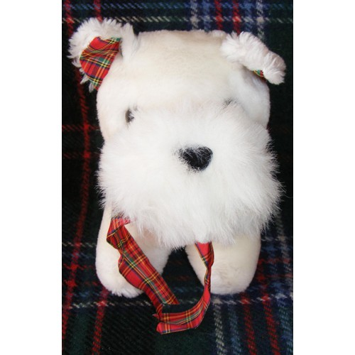 peluche chien scottish terrier avec noeud cossais neuf et d 39 occasion. Black Bedroom Furniture Sets. Home Design Ideas