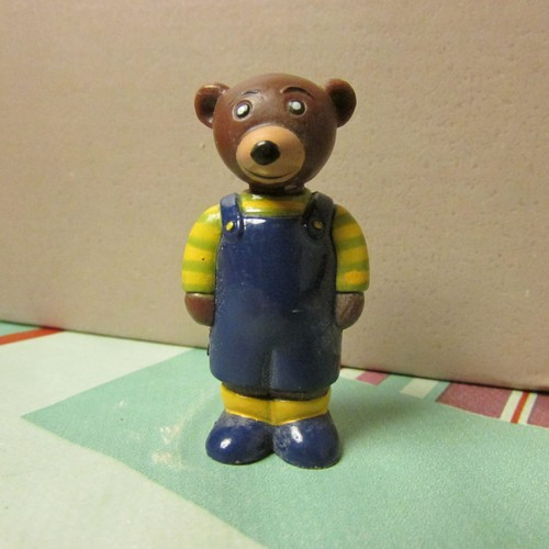 petit ours brun figurine embout de crayon salopette bleu 4 5 cm. Black Bedroom Furniture Sets. Home Design Ideas