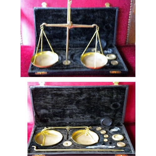 petite balance ancienne dans coffret avec accessoires et poids d coration numismatique balance. Black Bedroom Furniture Sets. Home Design Ideas