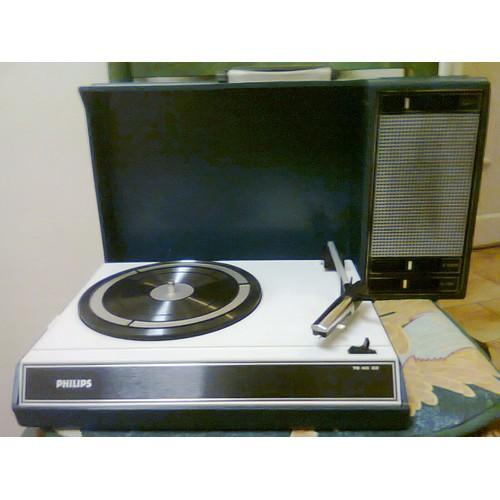 philips 22gf 403 03 electrophone vintage portable style. Black Bedroom Furniture Sets. Home Design Ideas