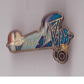 Pin's Avion F4