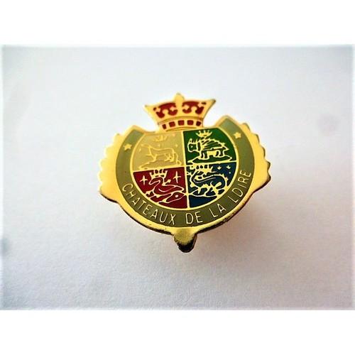 345c2eb9c913 pins-chateaux-de-la-loire-blason-couronne-bordure-grise-1181038621 L.jpg
