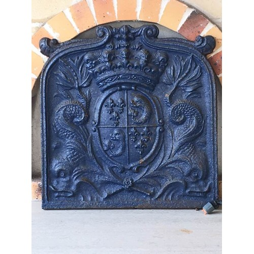 plaque en fonte de chemin e ancienne du 18 me si cle aux armes du dauphin de france. Black Bedroom Furniture Sets. Home Design Ideas