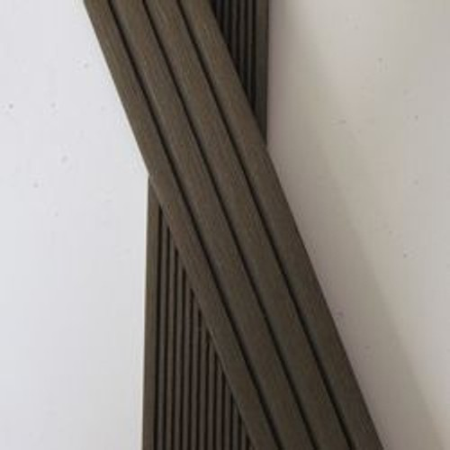 plinthe finition terrasse bois composite coloris chocolat epaisseur 1cm largeur 5 5 cm. Black Bedroom Furniture Sets. Home Design Ideas
