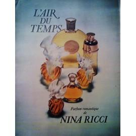 publicit ancienne d cembre 1970 pour l 39 air du temps le parfum romantique de nina ricci. Black Bedroom Furniture Sets. Home Design Ideas
