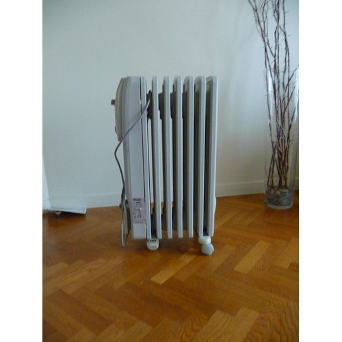 radiateur portable bain d 39 huile delonghi kr730715 pas cher. Black Bedroom Furniture Sets. Home Design Ideas
