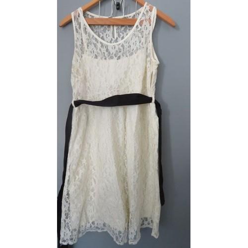 185836e819e robe-bonobo-cocktail-soiree-dentelle-blanc -casse-ceinture-noire-style-annee-50-t40-1150507439 L.jpg