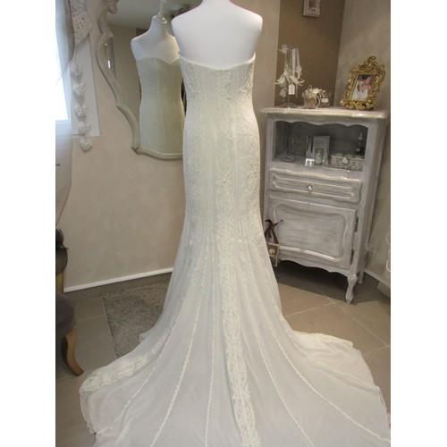 Robe de mariee blanc casse