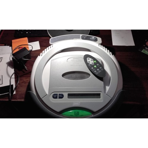 robot aspirateur quigg rvc1f pas cher priceminister. Black Bedroom Furniture Sets. Home Design Ideas