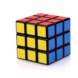 rubik 39 s cube 3x3 achat vente de jouet priceminister. Black Bedroom Furniture Sets. Home Design Ideas