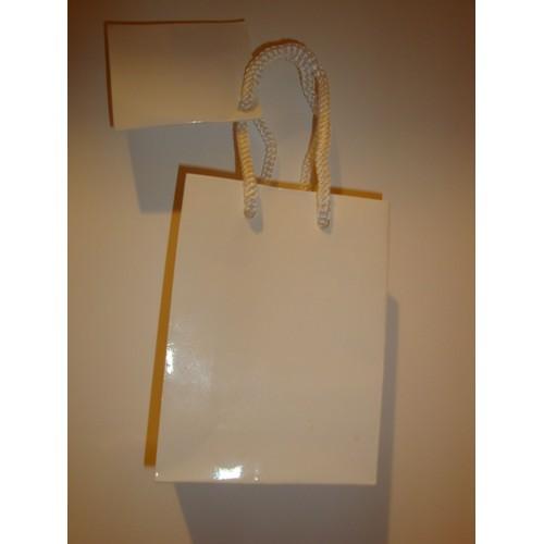 sac cadeau en papier glac blanc fond carton et tiquette caceau glac e blanche. Black Bedroom Furniture Sets. Home Design Ideas
