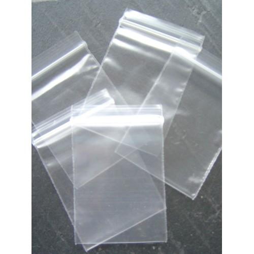 sachets plastique x20 transparents fermeture zip 6x4cm. Black Bedroom Furniture Sets. Home Design Ideas