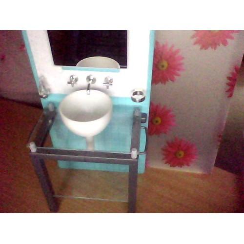 Salle de bain barbie lavabo robinet miroir et - Miroir rangement salle de bain ...