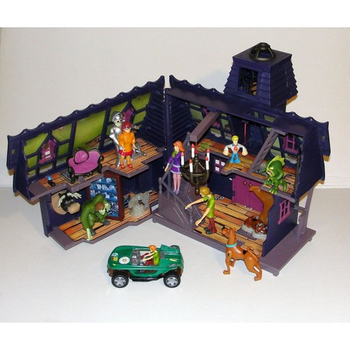 scooby doo 9 figurines maison hant e ou manoir hant. Black Bedroom Furniture Sets. Home Design Ideas