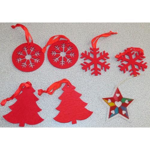 Six Decorations De Noel En Feutrine Rouge Hauteur 8cm Avec Cordon De