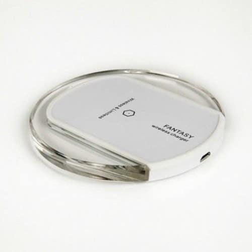 station de recharge sans fil qi induction avec led pour blackberry classic. Black Bedroom Furniture Sets. Home Design Ideas