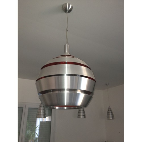 Suspension aluminium d 39 un designer allemand int rieur for Suspension aluminium cuisine