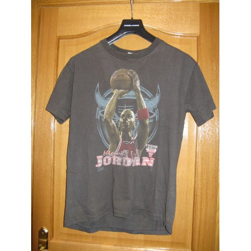 T shirt anvil michael jordan chicago bulls made in for Where are anvil shirts made