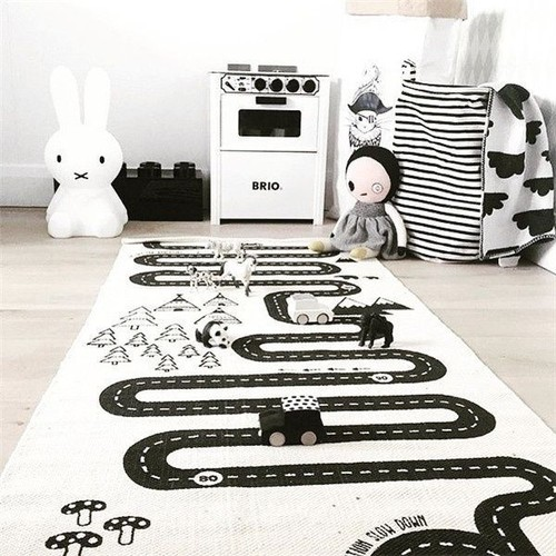 tapis de jeu pour b b enfant circuit voiture de course 70 x 175 cm. Black Bedroom Furniture Sets. Home Design Ideas