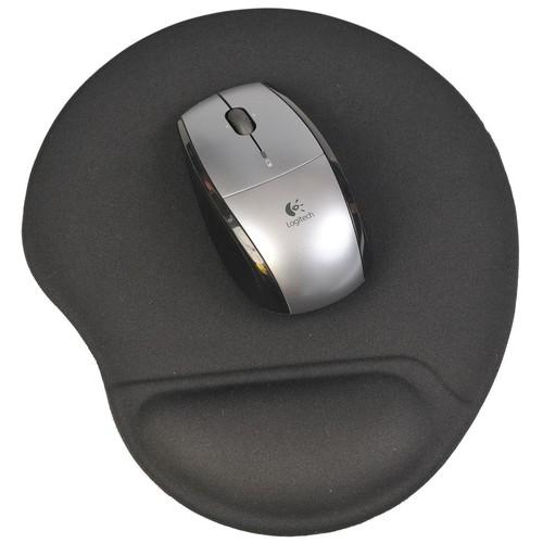 tapis de souris ergonomique noir anti tendinite avec un repose poignet en gel qui soulage la. Black Bedroom Furniture Sets. Home Design Ideas